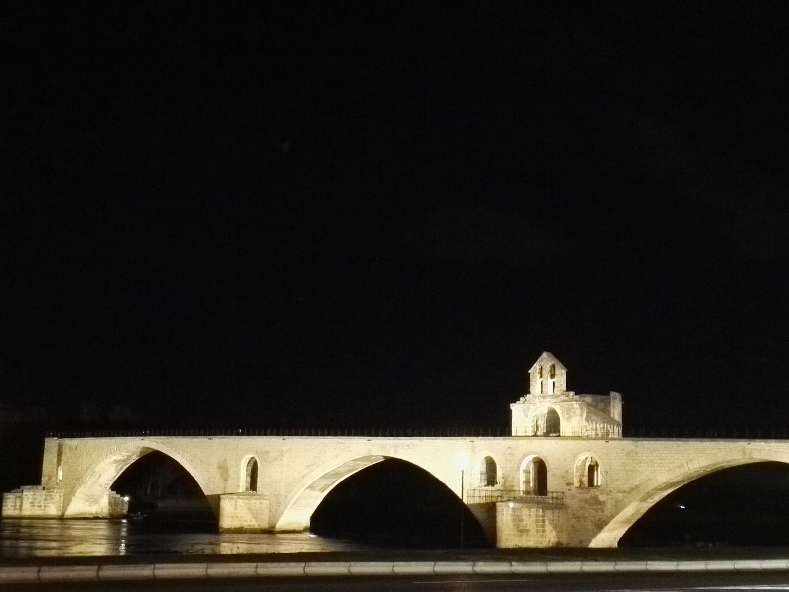 Sylvain et le Pont d'Avignon